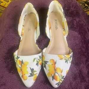 Shoes - 7.5 white and lemon shoes from just fab